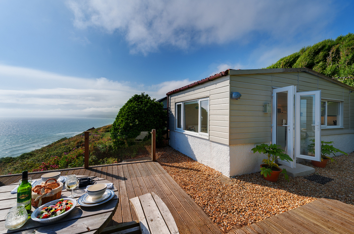 The Dell Holiday Cottage In Whitsand Bay6