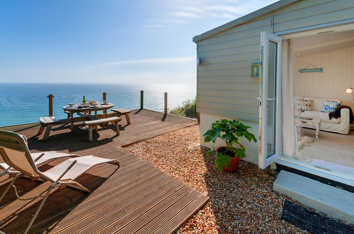 The Dell Holiday Cottage In Whitsand Bay7