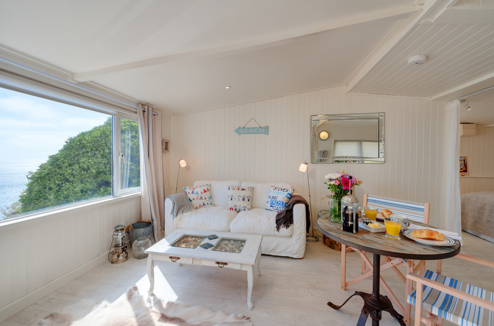 The Dell Holiday Cottage In Whitsand Bay8