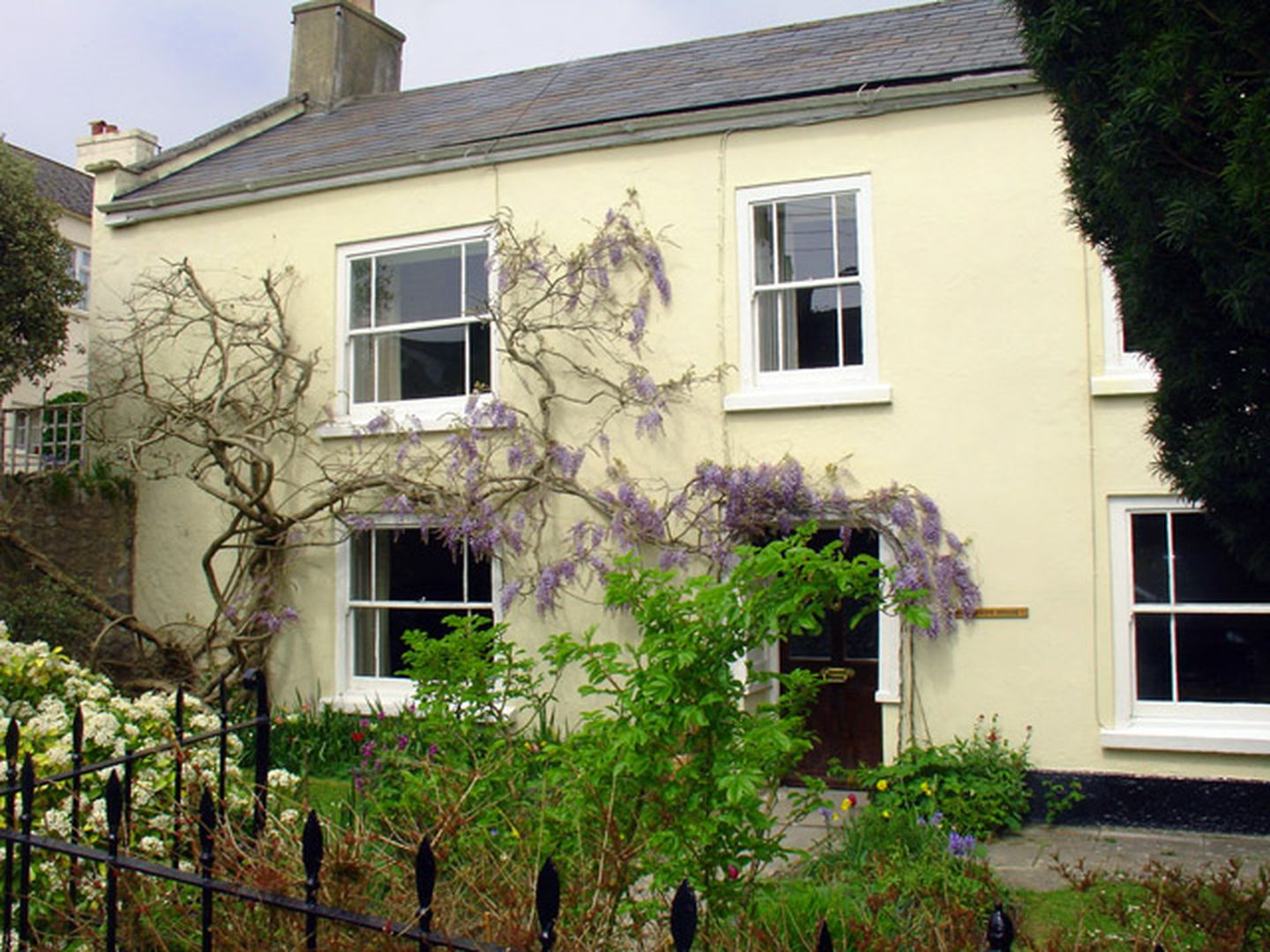 The Old Manor House Charmouth4