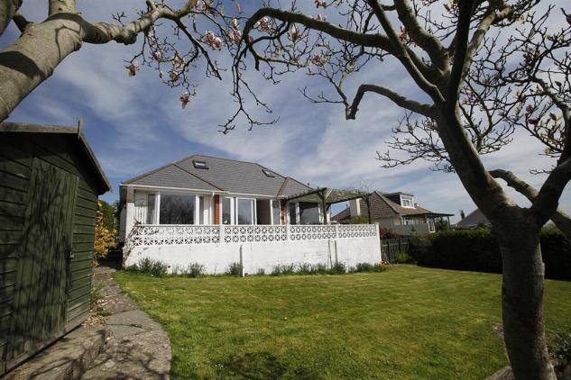 Holiday Cottage Reviews for The Outlook - Self Catering Property in Gower, West Glamorgan