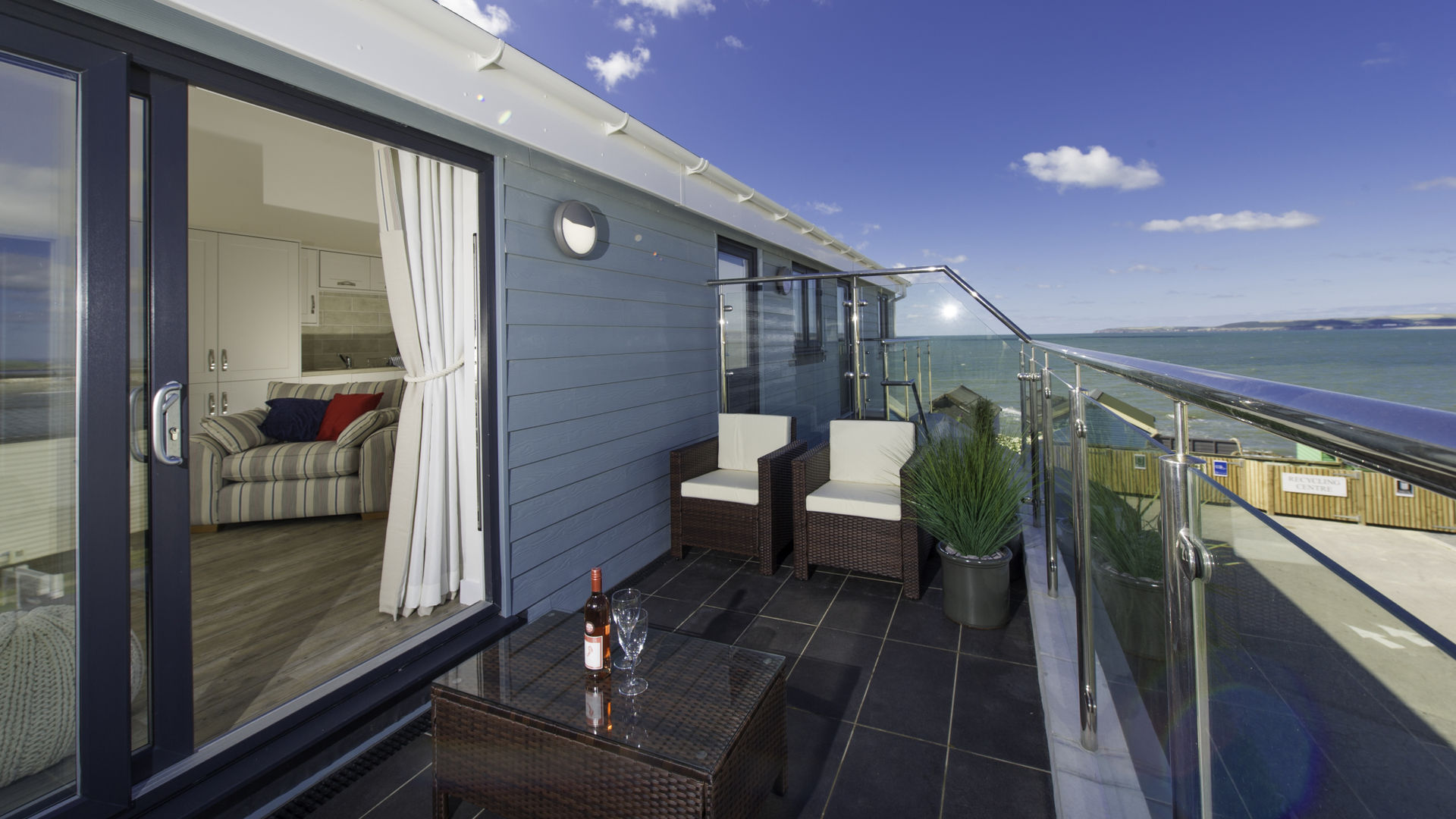 Holiday Cottage Reviews for Waterside - Self Catering Property in Westward Ho!, Devon