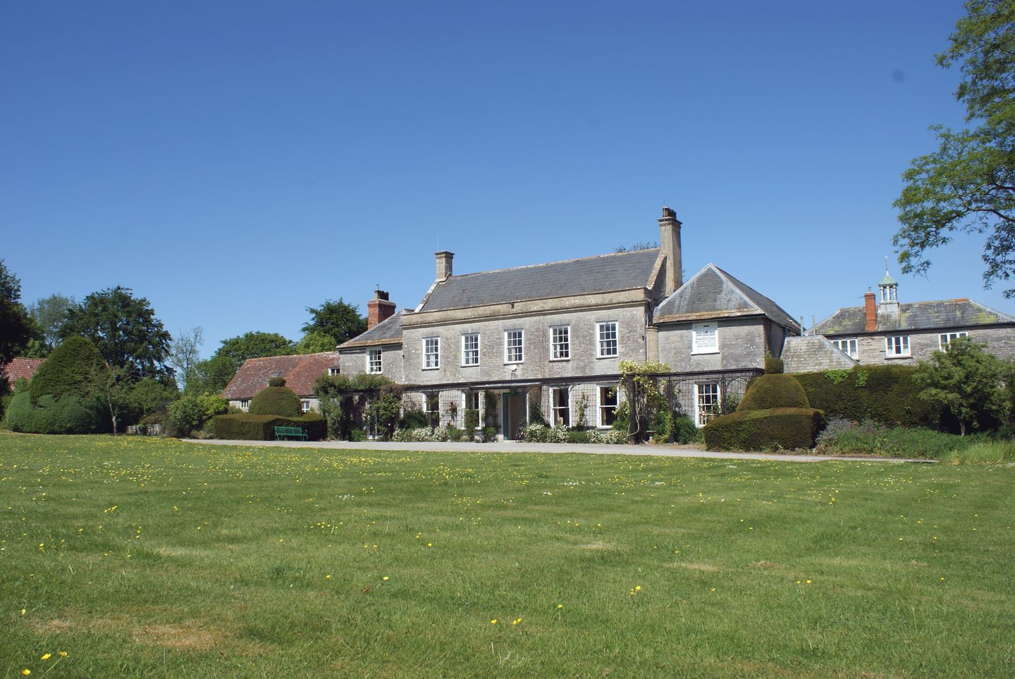 Holiday Cottage Reviews for Wootton House - Self Catering Property in Butleigh Wootton, Somerset
