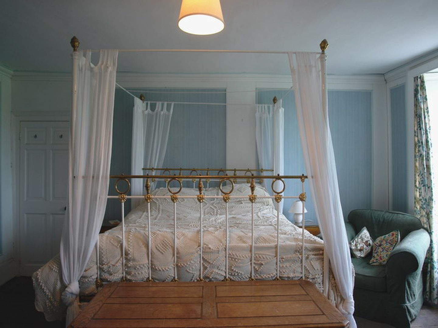Wootton House Four Poster Bed