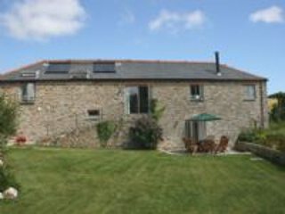 Holiday Cottage Reviews for Trolver Barn - Self Catering in Feock, Cornwall inc Scilly