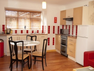 Holiday Cottage Reviews for Surlingham Lodge Garden Cottage - Self Catering Property in Norwich, Norfolk