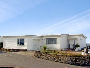 Holiday Cottage Reviews for Rivendell - Self Catering in Rhosneigr, Isle of Anglesey
