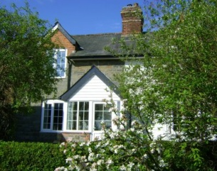 Holiday Cottage Reviews for Holly Cottage - Cottage Holiday in Newtown, Powys