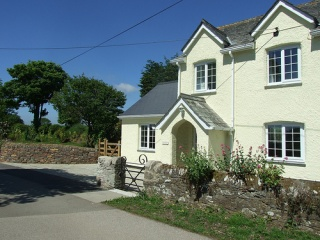 Holiday Cottage Reviews for Tregarton Cottage - Cottage Holiday in St Austell, Cornwall inc Scilly