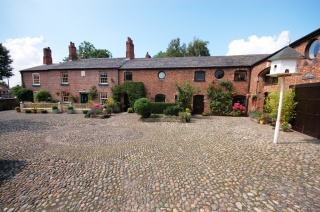 Holiday Cottage Reviews for The Courtyard Helsby - Cottage Holiday in Frodsham, Cheshire