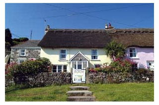 Holiday Cottage Reviews for Carndu - Holiday Cottage in Coverack, Cornwall inc Scilly