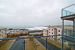 Holiday Cottage Reviews for 42 Ocean 1 - Holiday Cottage in Newquay, Cornwall inc Scilly