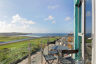 Holiday Cottage Reviews for Penthouse, 53 Zinc - Self Catering in Newquay, Cornwall inc Scilly