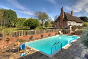 Cottages In Kent That Sleep 10 Or More Large And Luxury Holiday Homes