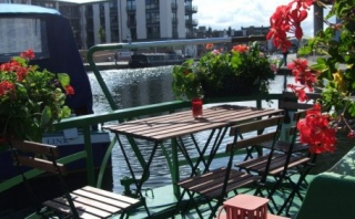 Holiday Cottage Reviews for The Four Sisters Boatel - Holiday Cottage in Edinburgh, Edinburgh