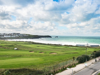Holiday Cottage Reviews for 14 Azure - Holiday Cottage in Newquay, Cornwall inc Scilly