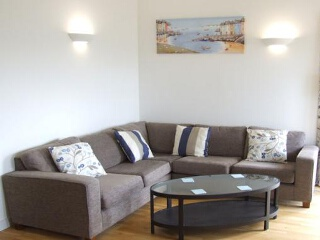 Holiday Cottage Reviews for 16 Zenith - Self Catering in Newquay, Cornwall inc Scilly