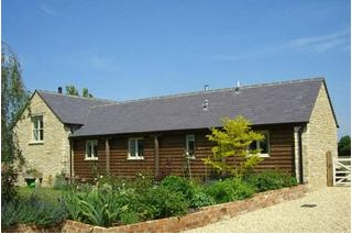 Holiday Cottage Reviews for Dairy Cottage - Cottage Holiday in Ashton Keynes, Wiltshire