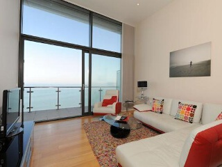 The Penthouse, Horizon View