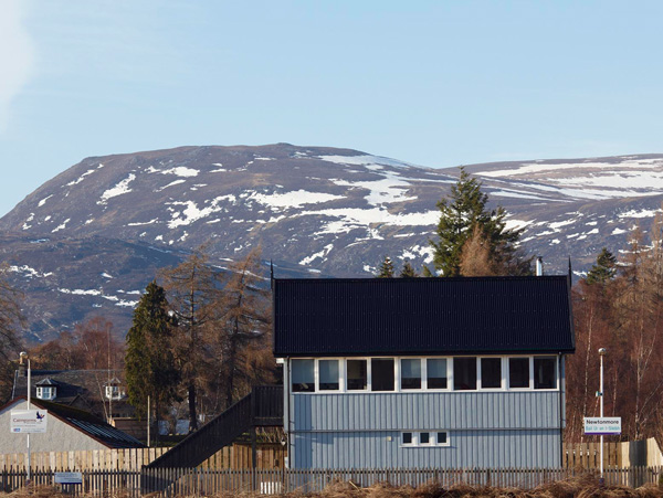 Holiday Cottage Reviews for Signal Box - Self Catering in Newtonmore, Highlands