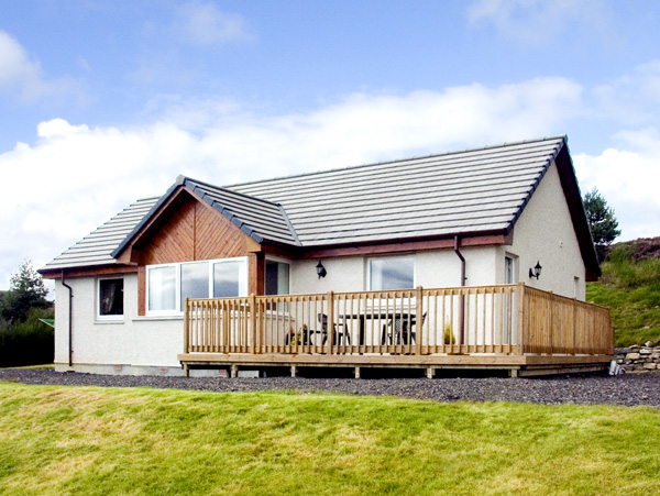 Holiday Cottage Reviews for The Rowans - Holiday Cottage in Strathpeffer, Highlands