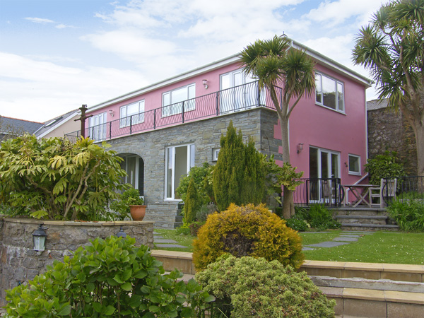 Holiday Cottage Reviews for The Orangery - Self Catering Property in Tenby, Pembrokeshire