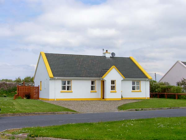 Holiday Cottage Reviews for Sunshine Cottage - Holiday Cottage in Liscannor, Clare