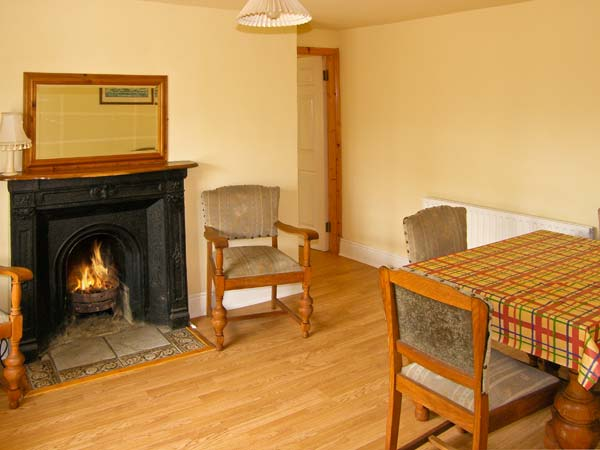 Holiday Cottage Reviews for Fuchsia House - Self Catering Property in Tully, Galway