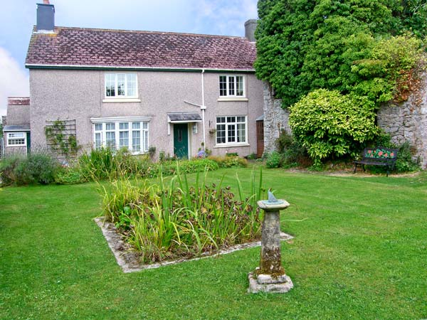 Holiday Cottage Reviews for The Old Manor House - Self Catering Property in Pembroke, Pembrokeshire