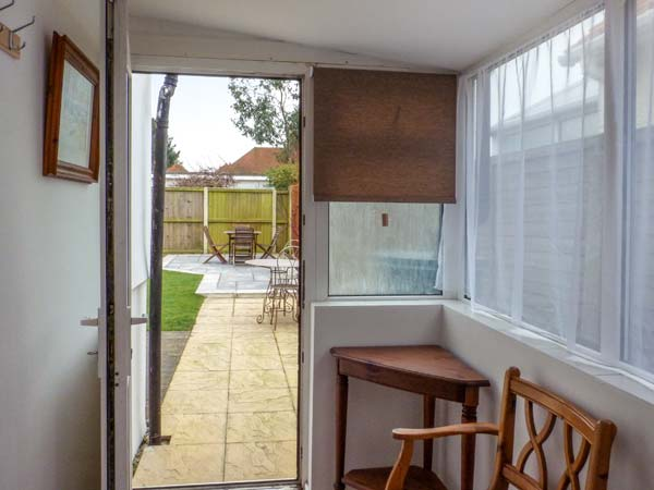 Holiday Cottage Reviews for Little Haven - Self Catering Property in Clacton on sea, Essex