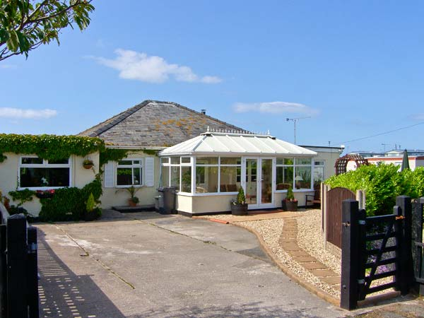 Holiday Cottage Reviews for Beach Cottage - Cottage Holiday in Rhyl, Denbighshire