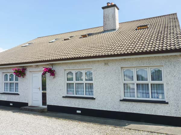 Holiday Cottage Reviews for Kiltartan House 2 - Cottage Holiday in Ballina, Mayo