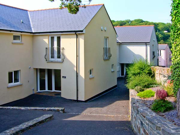 Holiday Cottage Reviews for Egret - Cottage Holiday in Milford Haven, Pembrokeshire