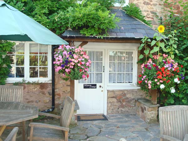 Holiday Cottage Reviews for Wisteria Cottage - Self Catering Property in Dunster, Somerset