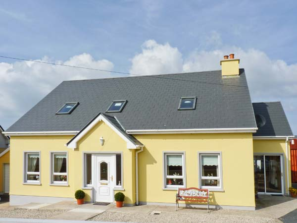 Holiday Cottage Reviews for Quay Road Cottage - Self Catering in Dungloe, Donegal