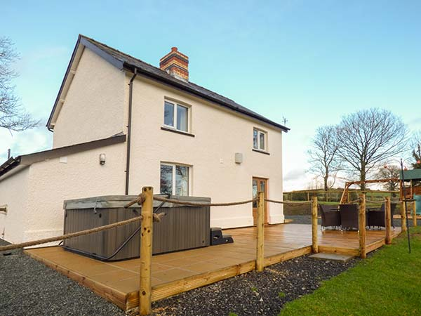 Holiday Cottage Reviews for Cwmcelyn - Cottage Holiday in Rhayader, Powys