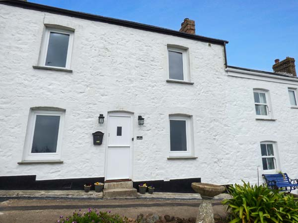 Holiday Cottage Reviews for 4 Coastguard Cottages - Self Catering in Coverack, Cornwall inc Scilly