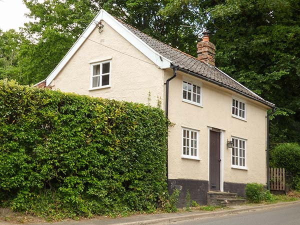 Holiday Cottage Reviews for Woodlands - Holiday Cottage in Eye, Suffolk