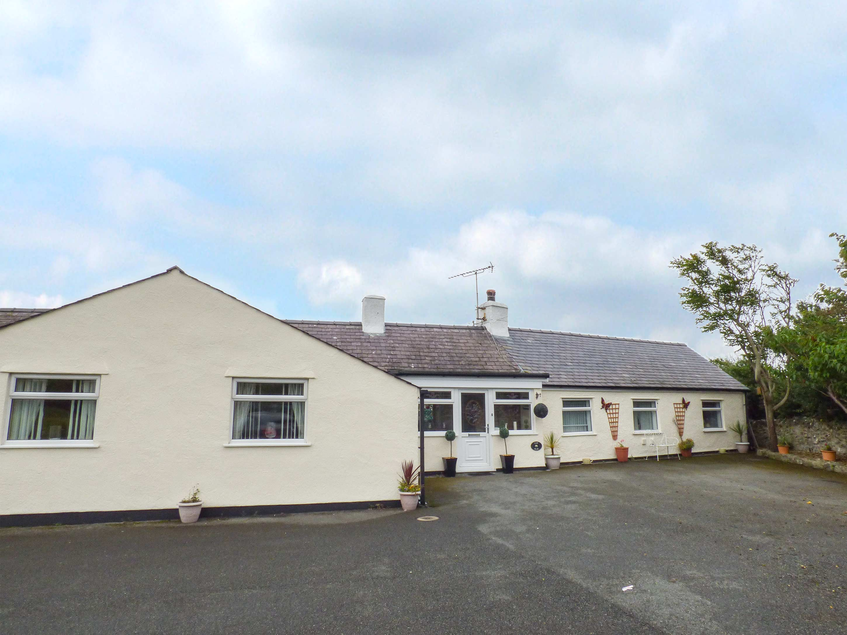 Holiday Cottage Reviews for Cae Glas - Holiday Cottage in Caergeiliog, Isle of Anglesey