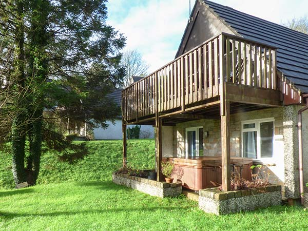 Holiday Cottage Reviews for Spruce Tree Lodge - Cottage Holiday in Gunnislake, Cornwall inc Scilly