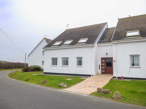 Holiday Cottage Reviews for Driftwood - Holiday Cottage in Trearddur Bay, Isle of Anglesey