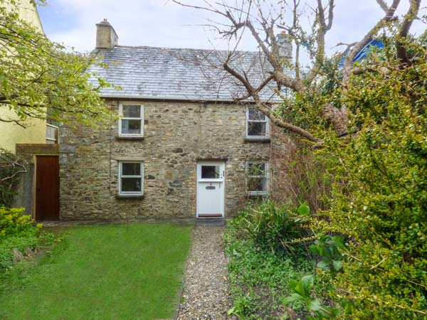 Holiday Cottage Reviews for Court House - Self Catering in Solva, Pembrokeshire